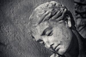 statue-3125159_1920
