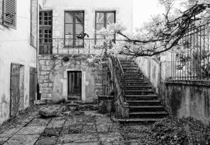 old-house-1633293_1920
